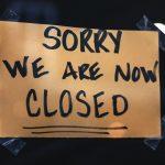 « Août of the box » : La menace de la vague de faillites